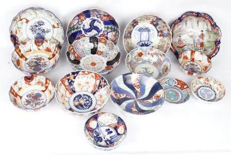 LOT OF 12 JAPANESE IMARI PORCELAIN BOWLS