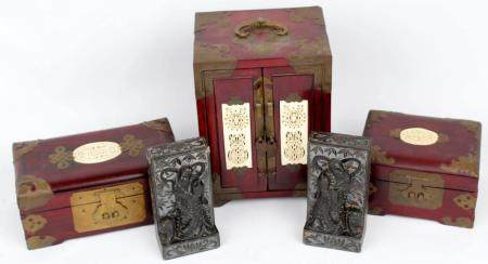 LOT OF ASIAN ASIAN JEWELRY BOXES AND BOOKENDS