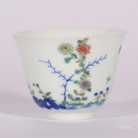 清 五彩花卉杯