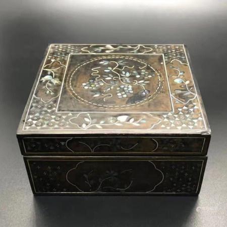 清 嵌螺钿盖盒