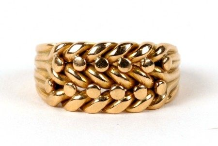 An 18ct gold keepers ring. Approx. UK size J. 6.5gCondition Reportgood overall condition