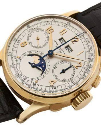 """PATEK PHILIPPE  Ref. 1518 """"Big Arabic"""", n° 863336 / 633141 Vers 1943  Chronographe bracelet en"""