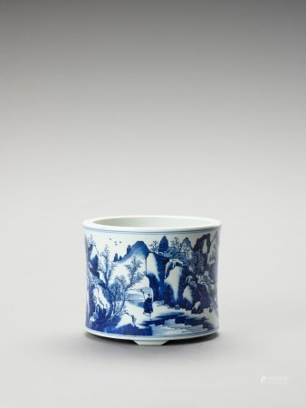 A FIGURATIVE BLUE AND WHITE PORCELAIN BRUSHPOT