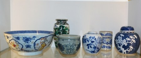 Group of Chinese porcelain to include an 18th century export bowl, a famille verte vase, ginger jar,