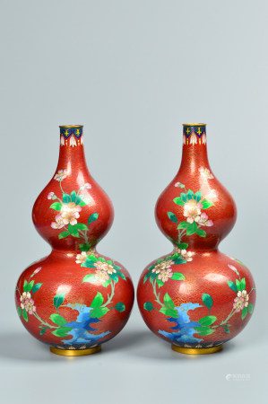 A Pair of Wire Inlay Enamel 掐丝珐琅瓶一对