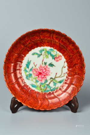 Colorful of Enamel Plate with Floral Design 木纹釉粉彩花卉纹盘