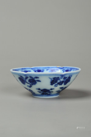 The Bowl with Blue and White Flowers 青花花卉纹碗