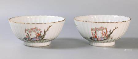 pair of Chinese porcelain bowls, possibly Republican period