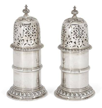 A pair of cylindrical Britannia silver sugar casters, London, c.1914, Solomon Joel Phillips, each