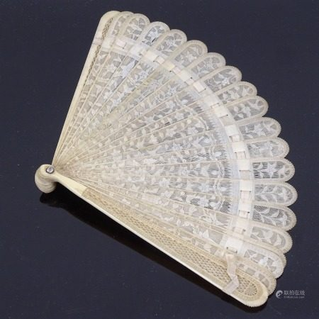 A 19th century Chinese finely carved and pierced ivory brise fan, length 17.5cm