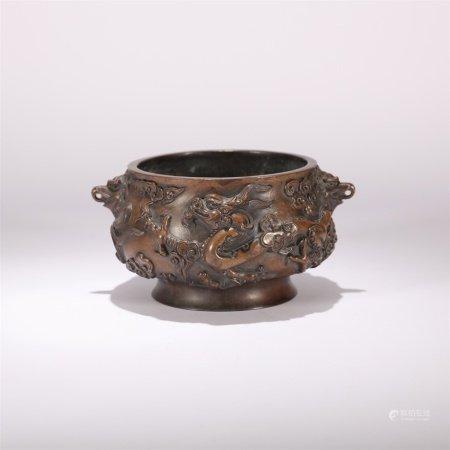 明代 铜制龙纹兽耳簋式炉