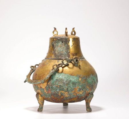 Copper and Golden Holding Vase from Tang 唐代銅鎏金提梁罐