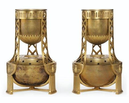 A PAIR OF FRENCH ORMOLU AND BRONZE BRÛLE PARFUMS  FIRST HALF 20TH CENTURY