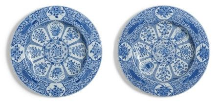 A Pair of Massive Chinese Export Blue and White 'Peacock' Pattern Chargers, Qing Dynasty, Kangxi Period | 清康熙  青花孔雀花卉紋大盤一對