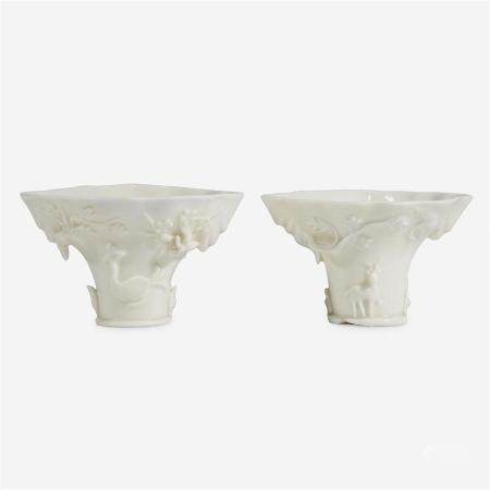 Two similar Chinese Dehua porcelain libation cups, 17th/18th century