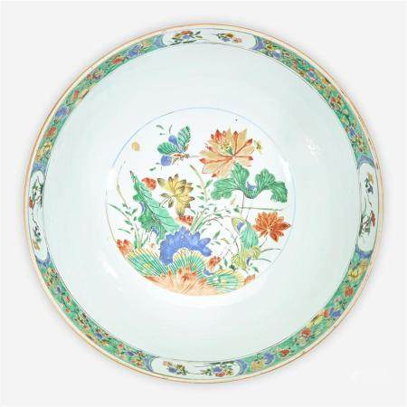 A Chinese export famille verte-decorated porcelain punch bowl, Kangxi period