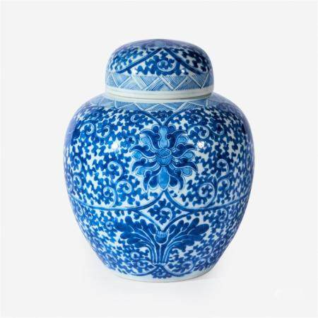 A Chinese blue and white porcelain jar and cover,