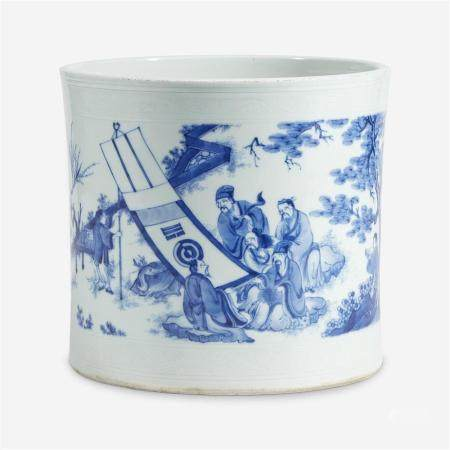 A finely-decorated Chinese blue and white porcelain large brushpot,