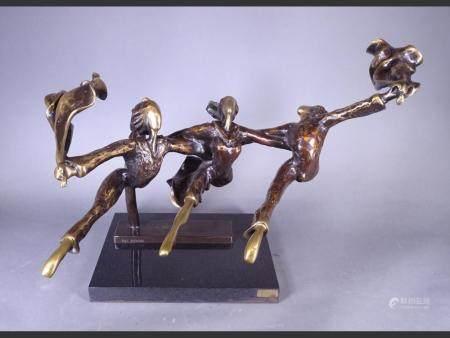 Sculpture Bronze with golden patina - Flying Dancers - n ° 6/10 dated 1980 signed KENAN Avi