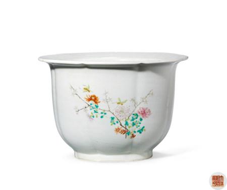 清 粉彩花卉纹花盆