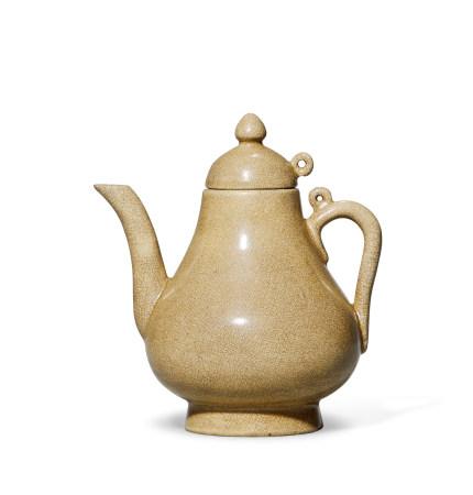 清 漳窑黄釉梨形执壶
