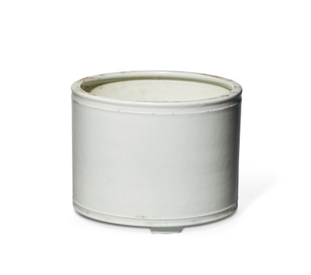 清 中期 白釉三足筒式弦纹炉