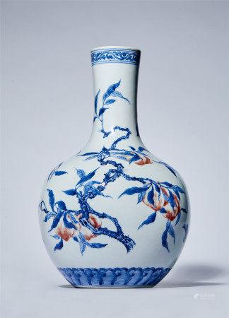 清 十八世纪 青花釉里红三多纹天球瓶