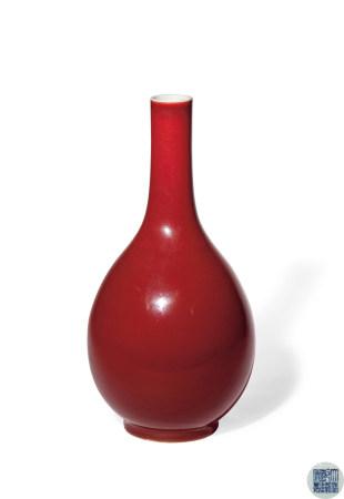清 乾隆 霁红釉胆式瓶