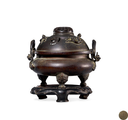 清 中期 铜 螭龙耳三兽足盖炉