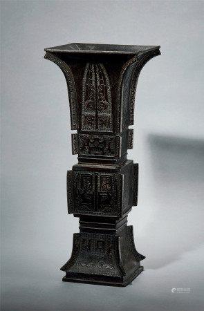 清 早期 铜 兽面纹出戟方尊