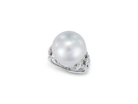 珍珠配鑽石戒指鑲18K白金