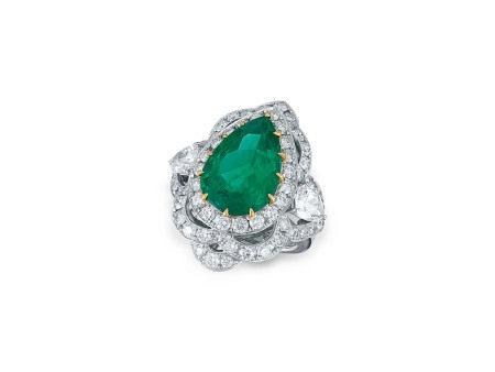 6.23卡拉「哥倫比亞」祖母綠配鑽石戒指鑲18K白金(附固寶琳證書)