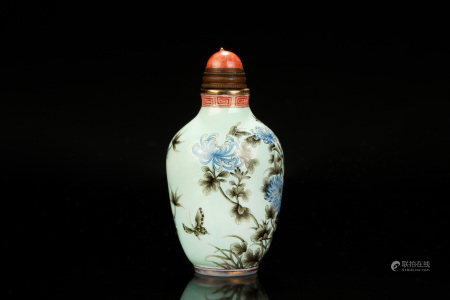 GRISAILLE PAINTED GLASS 'FLOWERS' SNUFF BOTTLE