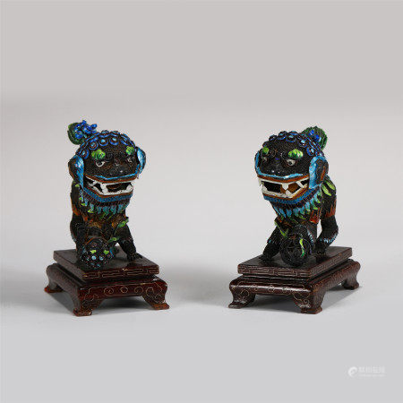 PAIR OF SILVER LIONS INLAID ENAMELING