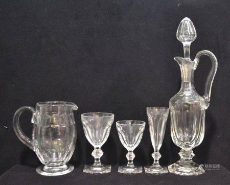 BACCARAT Service de verres en cristal, modèle Harcourt, comprenant: - douze verres à eau. H.: 1