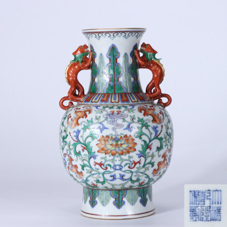 Qing Dynasty Qianlong Doucai Double-ear Vase