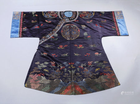 A CHINESE VINTAGE CLOTH