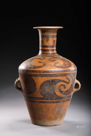 A CHINESE VINTAGE POTTERY VASE