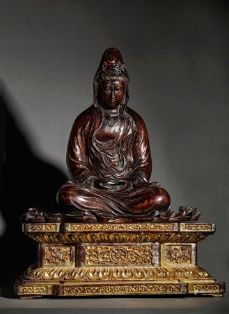 A CHINESE VINTAGE AGAREWOOD BUDDHA STATUE