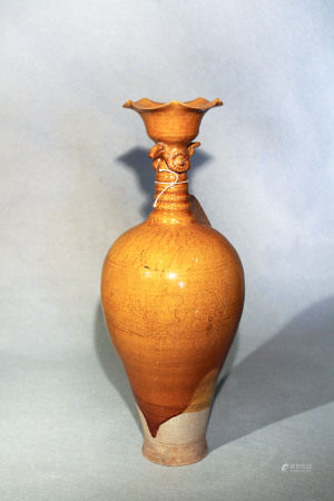 A Chinese straw glazed, pottery bird headed vase incised floral detail, Liao Dynasty type, 40cm