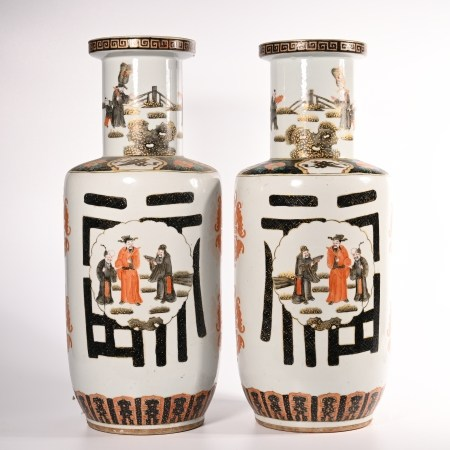 A pair of bottles for the story of pastel figures in Qing Dynasty