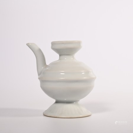 Ming Dynasty small pot with sweet white glaze