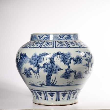 Blue and white jar of Yuan Dynasty