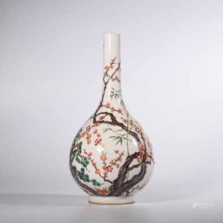Qing Dynasty pastel flower and bird design gall bottle