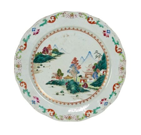 A CHINESE FAMILLE ROSE EXPORT PLATE