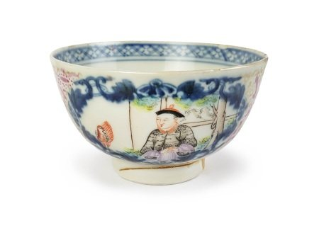 A CANTONESE GLAZED CUP