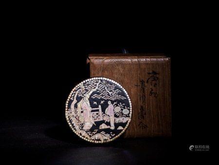 青貝螺鈿黑漆香盒 A 15 th pearl inlaid Cover and Box