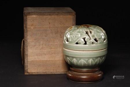 天龍寺青瓷香爐 A Chinese Celadon Porcelain Censor