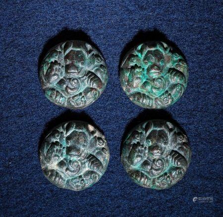 青銅雄席鎮 A Set of Chinese Bronze Weight