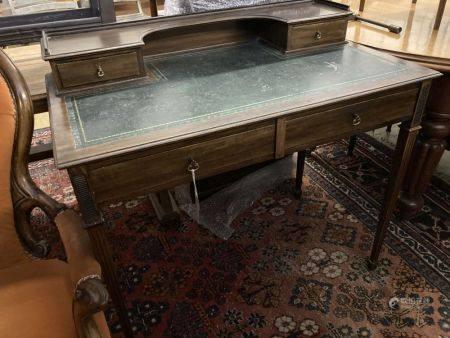 An Edwardian mahogany writing table, width 91cm, depth 52cm, height 74cm